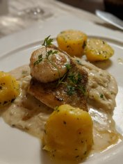 Pikeperch (Zander) with creamy cabbage and potatoes.